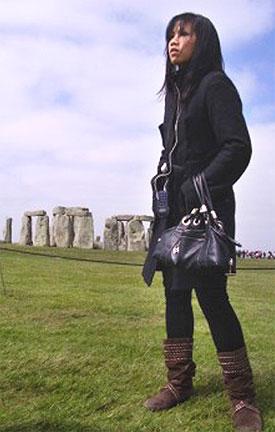 [Lau at Stonehenge]