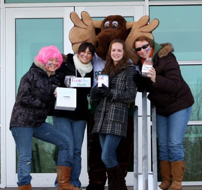 Renison social work students with moose mascot