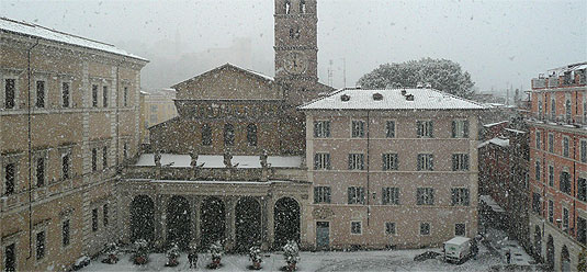 [Piazza in the snow]