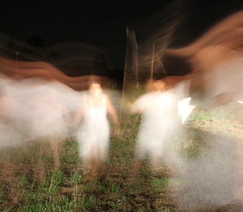 Image from play, Ilion, girls running